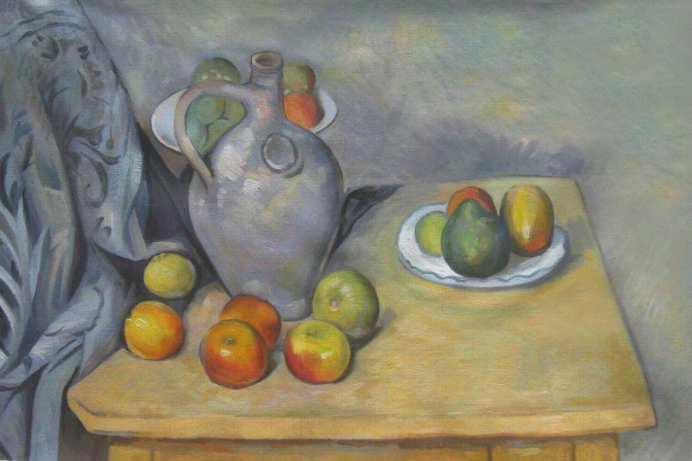 Pitchet et Fruits sur une Table